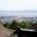 奥宮から望む琵琶湖の景色はとても美しいです。